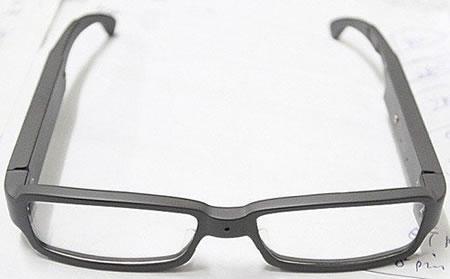 Hidden-Camera-Glasses-1.jpg