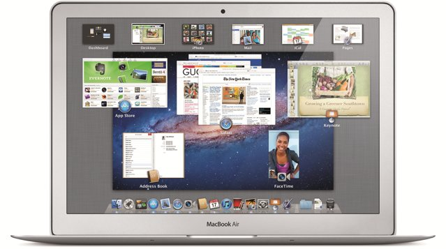 Mac OS X Lion officially released