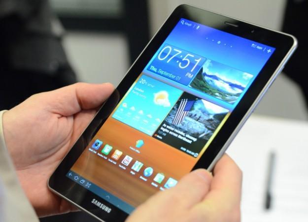 http://www.ubergizmo.com/wp-content/uploads/2011/09/08-Samsung-Galaxy-Tab-7-7.jpg