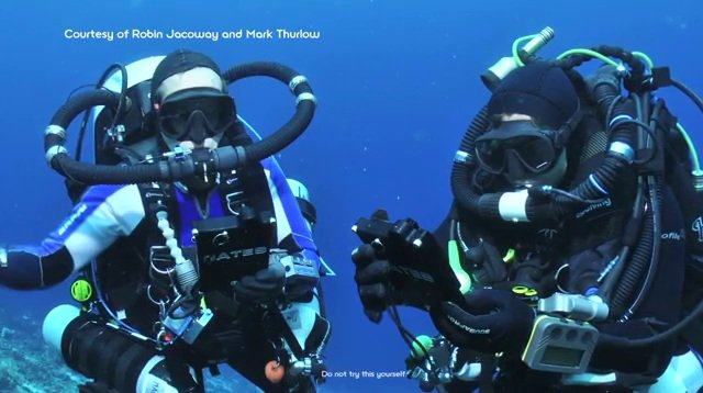 Scuba Divers use Sony Reader 300ft underwater