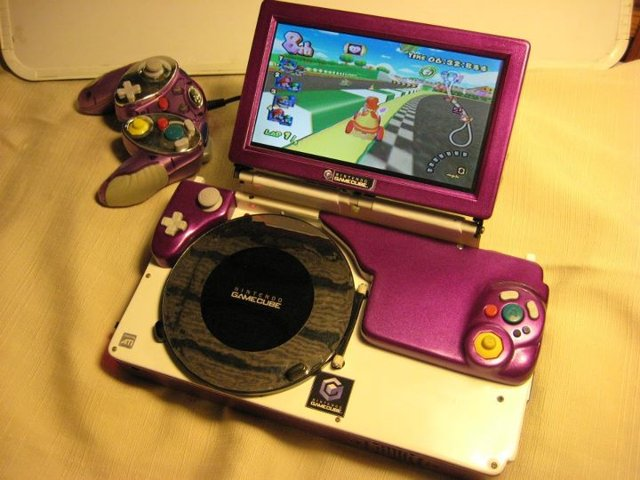 Sly Cube Lets You Play The Gamecube On The Go Ubergizmo