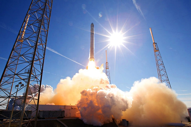 SpaceX test fires Falcon 9 rocket for Dragron spacecraft launch