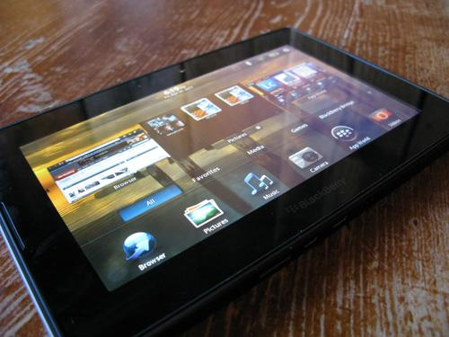 BlackBerry PlayBook 3G+ finally hits the UK