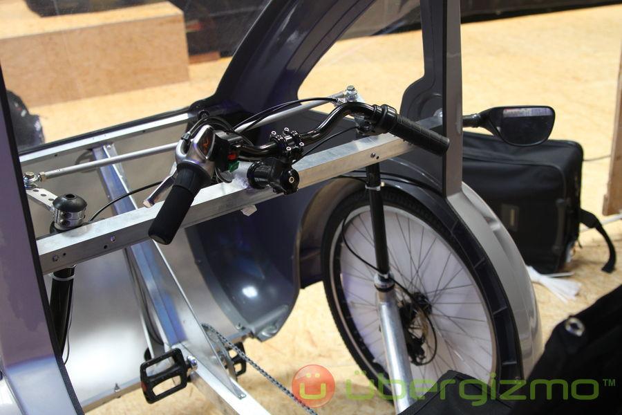 elf organic transit 03photo fromelf hybrid solar pedal vehicle by organic transit ubergizmo. Black Bedroom Furniture Sets. Home Design Ideas
