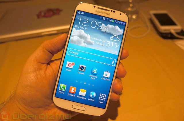 Samsung Galaxy S4 Pre-Orders On AT&T Goes For $249 | Uberphones