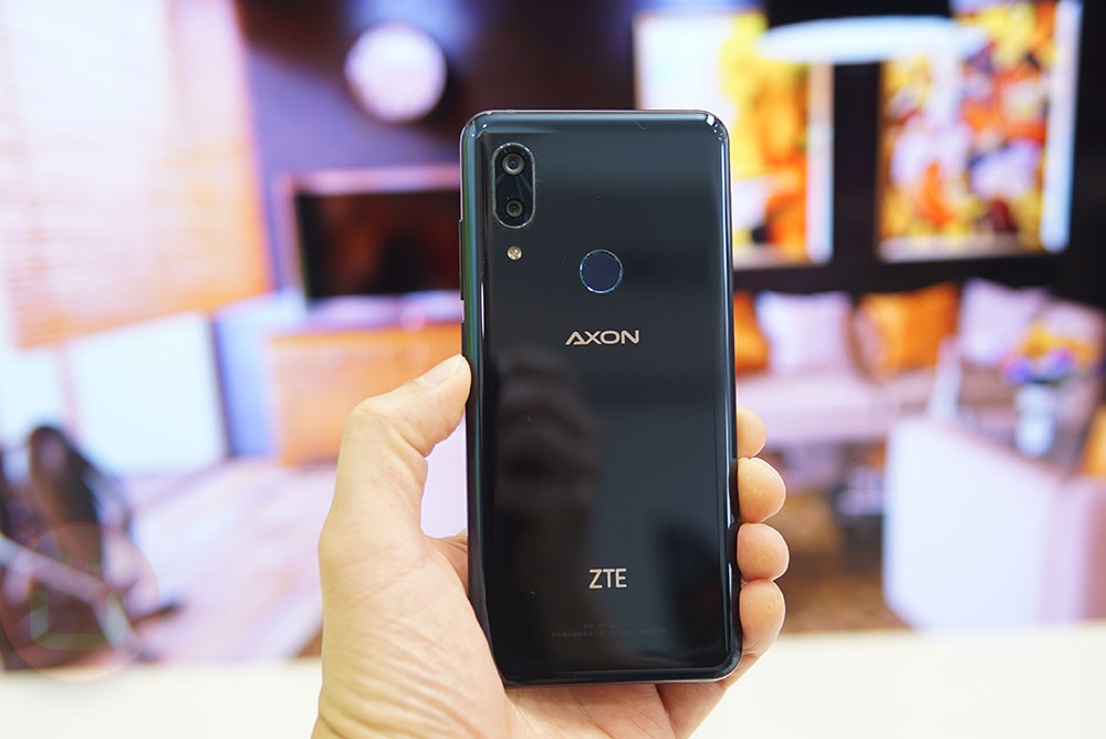 ZTE Axon 9 Pro Review: Hands-On   Ubergizmo
